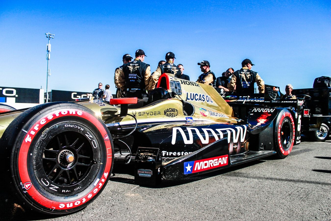 IndyCar with Pit Crew