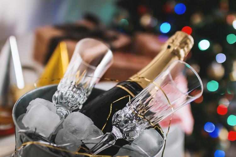 champange-flutes-bucket