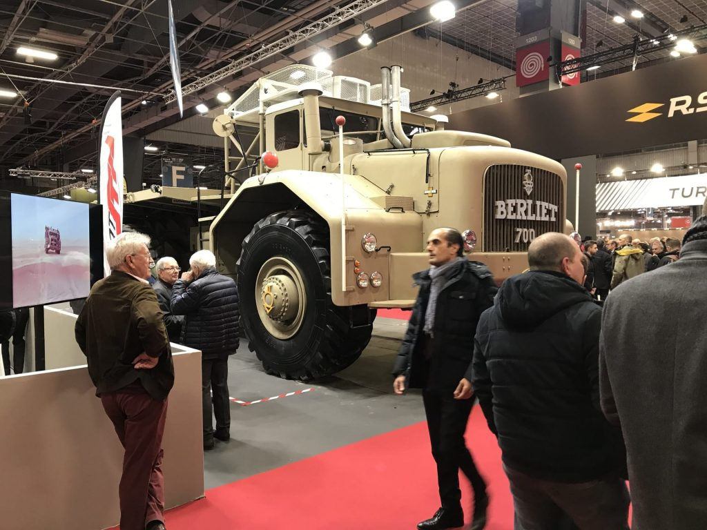 The massive Berliet T100 from the side