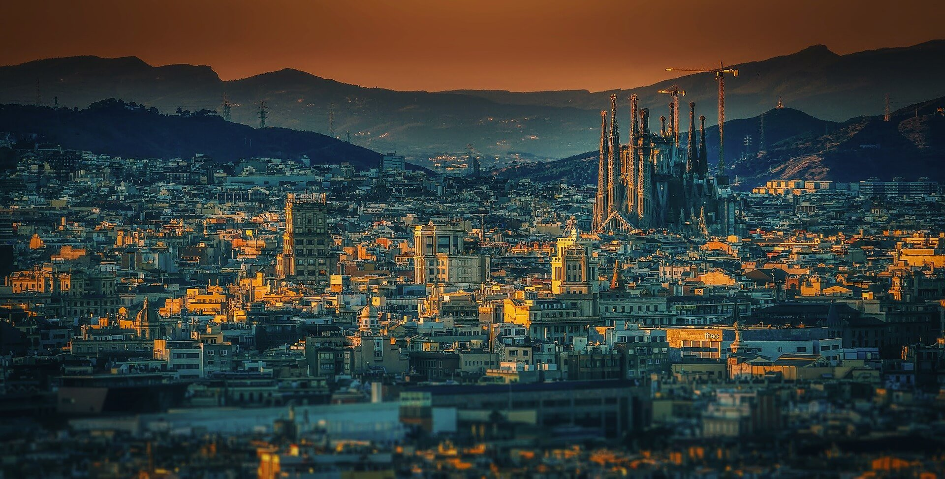 Living in Spain: Spanish Barcelona Panoramic Cathedral Town