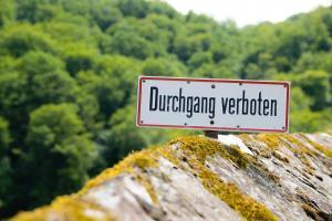 Durchgang Verboten German Sign