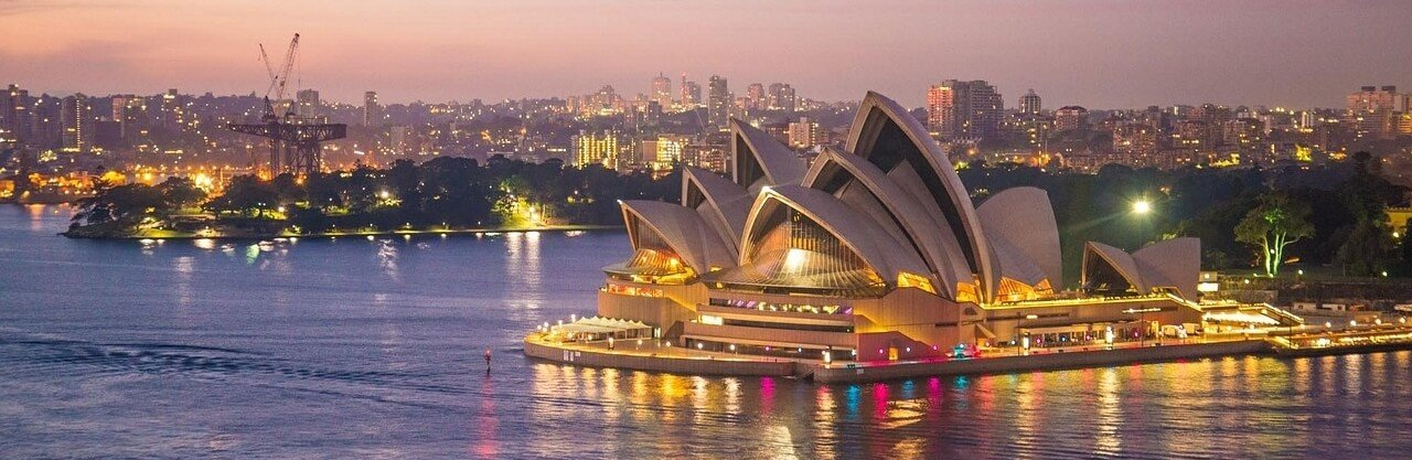Living in Australia Sydney Opera House Ocean Side