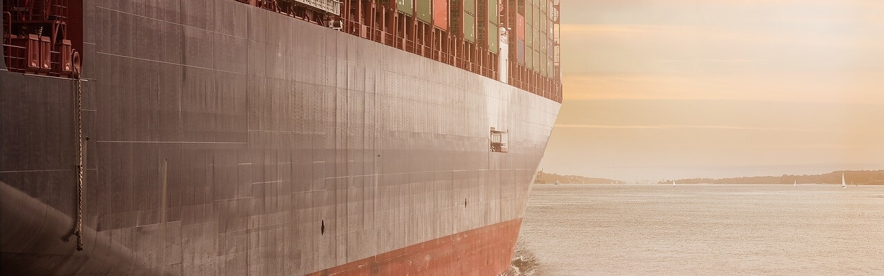 ocean freight forwarder and NVOCC container ship